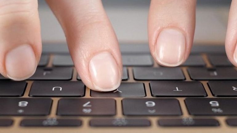 Bàn phím Laptop không gõ được bất kỳ phím nào